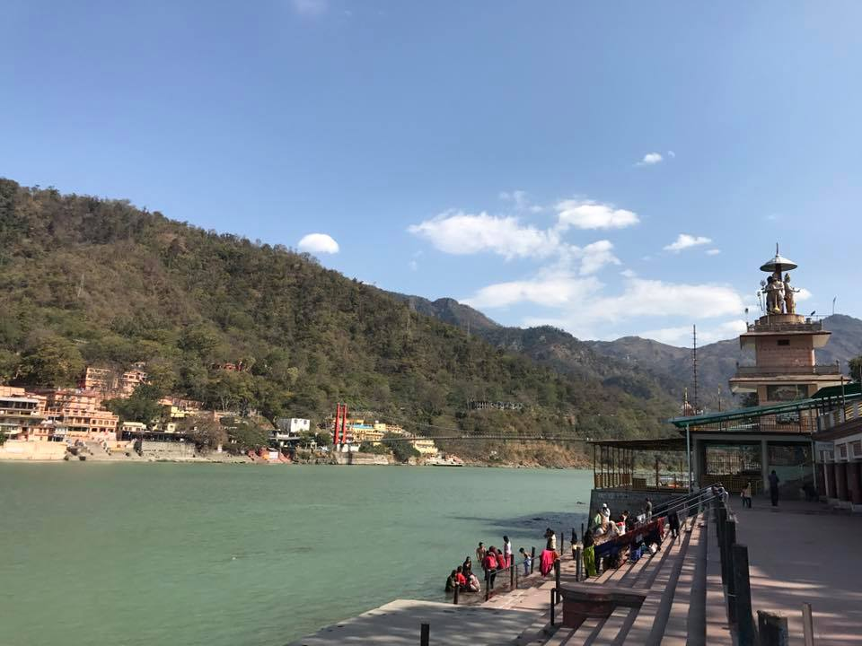 "At the banks of ""Ma Ganga"", the Ganges, that is flowing through Rishikesh. Nearby in Hotel Brijwasi Palace behind Parmarth Niketan Ashram the Open Satsang with Advaita master Madhukar, a Yoga of Silence event,takes place March 25 - April 2, 2017. in Yoga of Silence events enlightenment is experienceable."